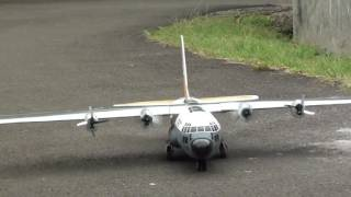 RC C-130 Hercules taxiing test