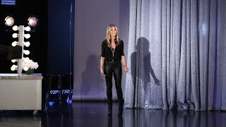 Download Lagu Jennifer Aniston Drops By to Wish Ellen a Happy Birthday in Person! Gratis STAFABAND