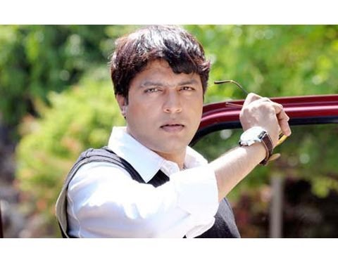 Ankush Chaudhariy s Double Role In Marathi Movie No Entry Pudhe...