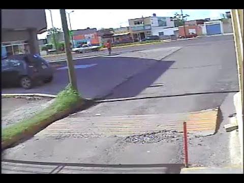 Graban a hombres armados en intento de asalto en Celaya