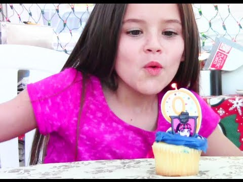 Another awesome family vlog! This week ... Emma celebrates her 9th Birthday! OUR LINKS: http://www.twitter.com/kittiesmamayt http://www.youtube.com/kittiesma...