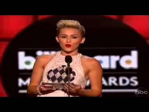 Miley Cyrus presents Justin Bieber at Billboard Awards for the  Best Male Artist 2013