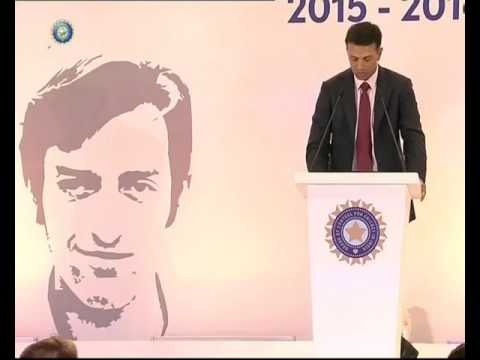 Rahul Dravid delivering speech at MAK Pataudi lecture 2015 in New Delhi