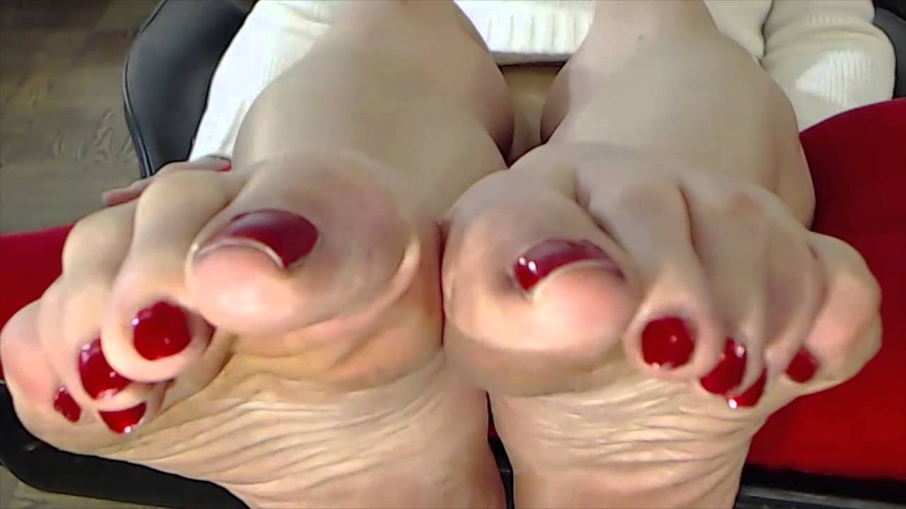 TSDeeTV Bare Feet With Soiled Soles Part 1 - YouTube