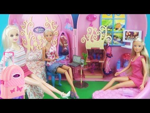Домик – чемодан для кукол. Мультик, игры для детей (Барби, Штеффи) Обзор игрового набора Dolls House