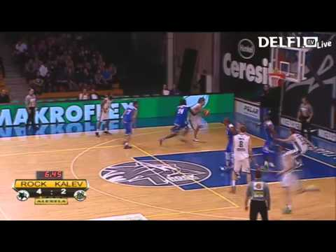 Uroš Lukovic dunks on Ty Abbott