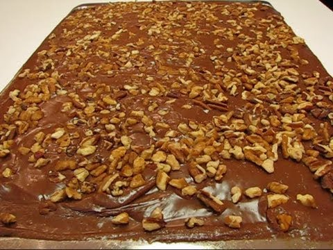 Betty's Texas Sheet Cake–CHOCOLATE!