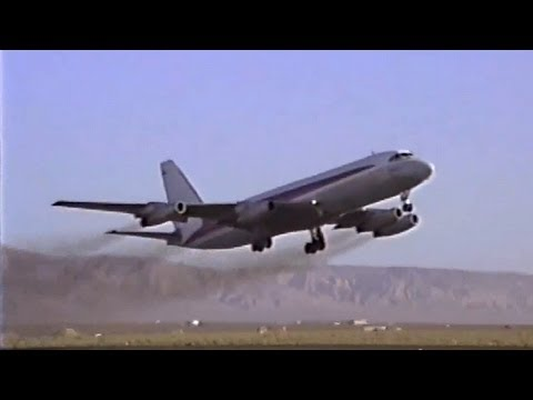 Ex-TWA Convair CV-880 Departing From Mojave