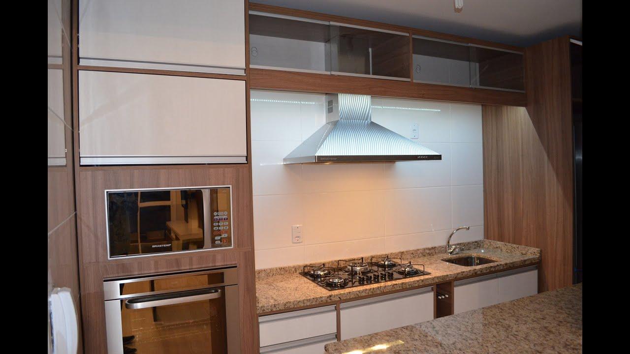 Cozinha Planejada Nogueira com LED e aramados   #8F5F3C 2464 1632