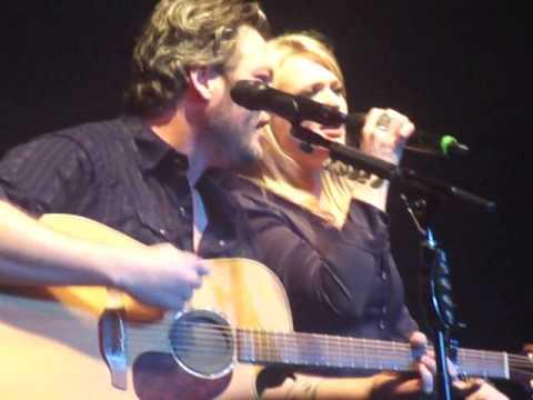 Over You - Miranda Lambert & Blake Shelton (NASH BASH 2/18/13)