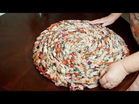 Как сделать коврик из старого  покрывала