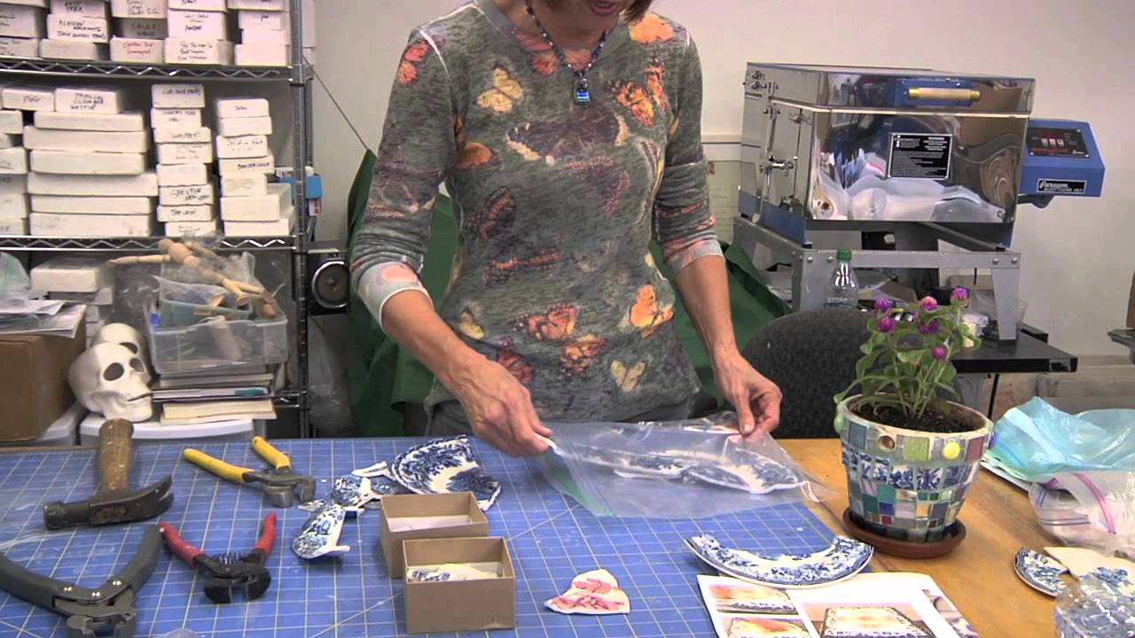 How To Cut China Plate For Mosaic Art Youtube