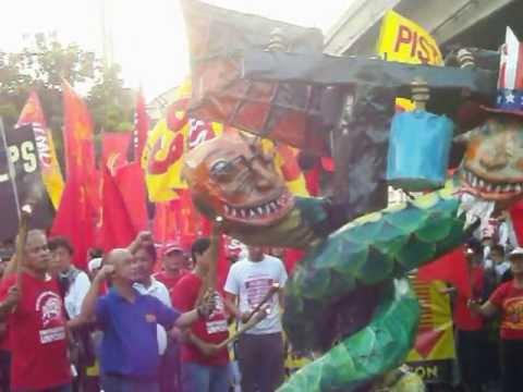 2013 Manila Labor Day Burning of Obama and Noynoy Effigy