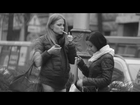 Сигарета для беременной / Pregnant Girl Smoking Experiment