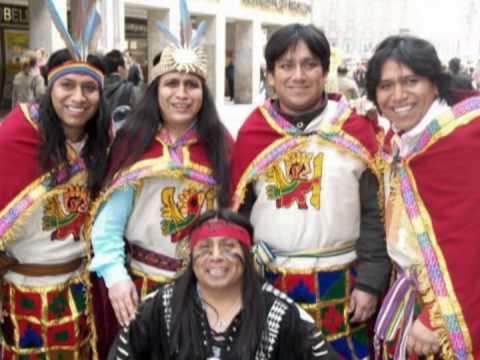 SANTOS SALINAS CASTILLO nació en 1971 en San Antonio (La Libertad, Perú), una pequeña aldea situada a gran altura en Los Andes, y fue el tercero de nueve hijos. Apartado de las influencias...