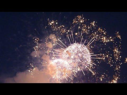 Праздничный салют в День Победы (9 мая, Воробьевы Горы) / Fireworks on Vict