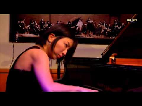 "Chihiro Yamanaka trio @ Moody jazz cafè - ""Living without friday"""