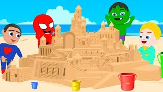 SUPERHERO BABIES MAKE A GIANT SAND CASTLE ❤ Spiderman, Hulk & Frozen Play Doh Cartoons For Kids
