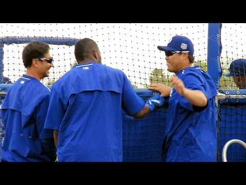 Yasiel Puig Cheers Up Hyun-jin Ryu 류현진 Spring 2016