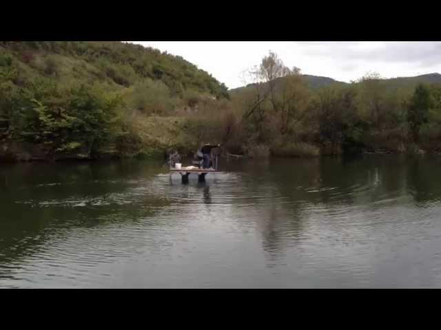 Jezero Starača, Ilijaš - hranjenje ribe sa splava