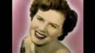 Watch Patsy Cline I Fall To Pieces video