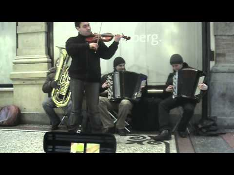 Libertango - Russian Street Musicians (HD) Passage The Hague