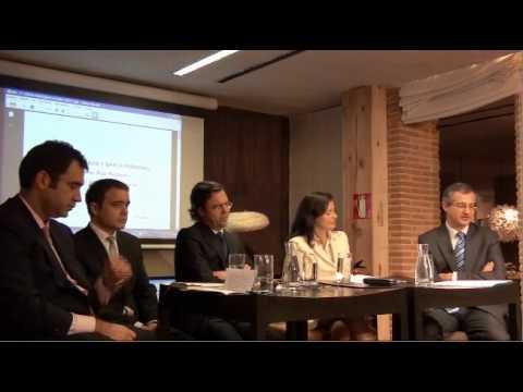 Conferencia del 27 de Octubre 2011: Alternativas de inversion financiera en tiempos de crisis Organiza: Estrategia Directiva en colaboración con la Fundación Adolfo Dominguez Modera y presenta:...