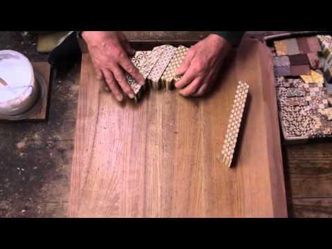 寄木細工�人�本間 昇�ん�ヅクを作る。