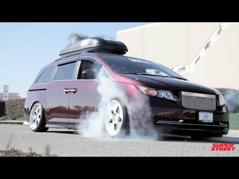 1000+hp Bisimoto Honda Odyssey Van Burnouts!