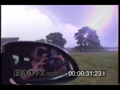 8/18/1997 Extreme close lightning strike video