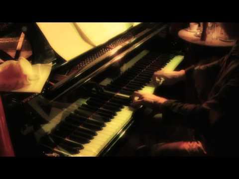 ALEX HUTTON TRIO - Legentis Script  (live at the PizzaExpress, 2012)