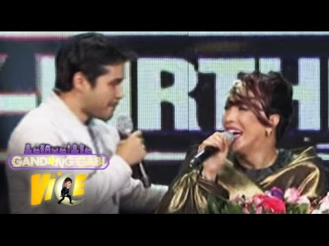 Atom Araullo Surprises Vice Ganda With Flowers video