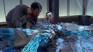 电脑程序获得不灭躯体,受伤后直接用玻璃自我修复!速看科幻电影《时空悍将》