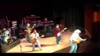 Watch Garth Brooks The Old Stuff video