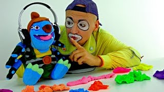 Funny clown videos for kids. Andrew the clown looks for a ring! NEW!