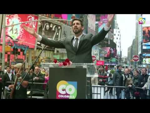 Colombia en Times Square con Fonseca
