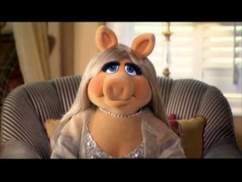 Miss Piggy Interviews Eva Longoria Desperate Housewives The Complete 6th Season DVDS Preview Video