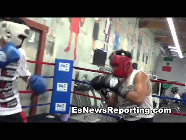 future boxing star rudy ochoa sparring in oxnard EsNews boxing