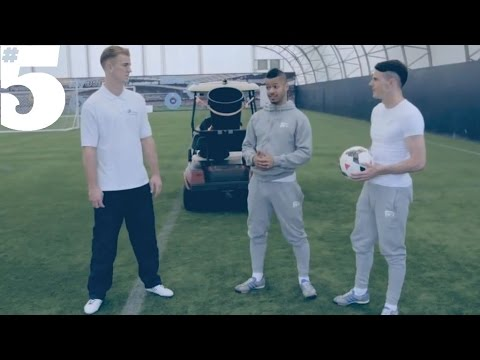Manchester City goalkeeper Joe Hart's skills outshine football freestylers