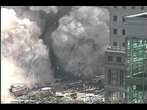 Rond 1720 uur stortte ook een derde gebouw van het WTC compleet in Dit werd toegeschreven aan branden in het gebouw en de schade die dit gebouw als gevolg van het instorten van de Twin Towers had opgelopen Daarnaast raakten ook de WTCgebouwen 3 tm 6 zwaar beschadigd de meeste hiervan moesten achteraf worden gesloopt