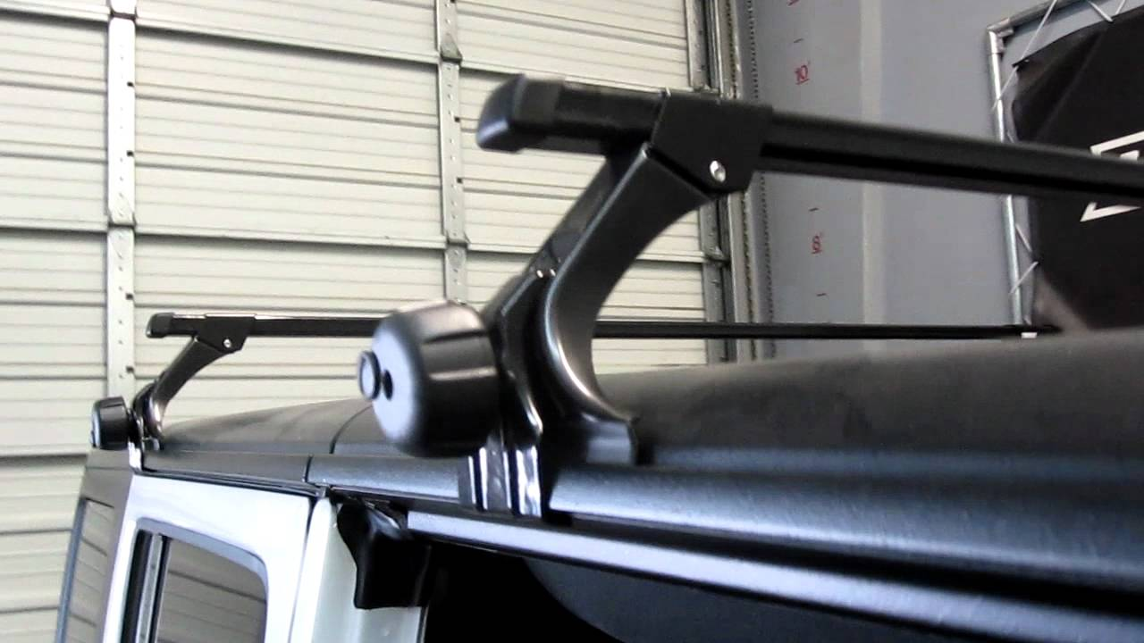 2013 Jeep Wrangle Unlimited With Thule 300 Gutter Foot