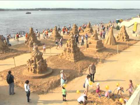 Песчаные фигуры на самарской набережной