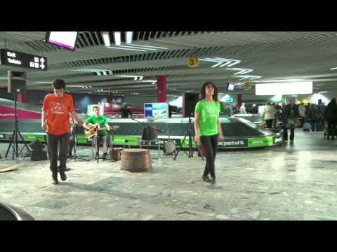 Dawn Sean-Nos dancing at Shannon Airport