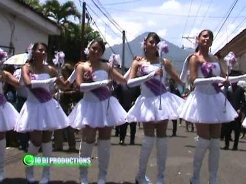 DESFILE DE COLEGIO LOURDES AHUACHAPAN 15 DE SEPTIEMBRE DE 2011