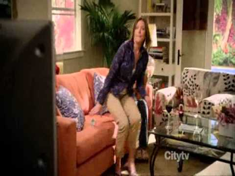 Cougar Town: Laurie & Jules & Ellie watching Jules' old tape