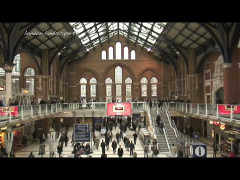 Life at the City of London Liverpool Street Station (HD)