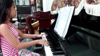 Co Be mua Dong piano cover by Huong