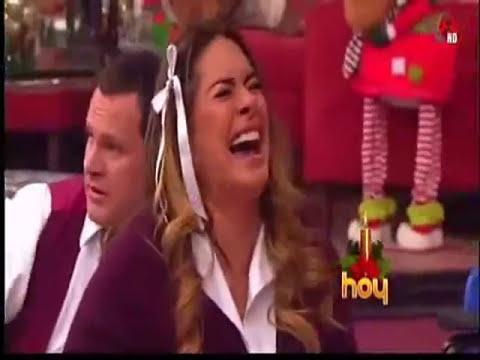 Galilea riéndose de las bubis de Rox Castellanos xD