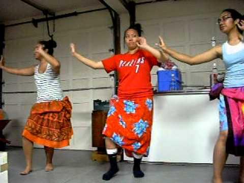 lydia/cinta/tammy- practice o le taualuga