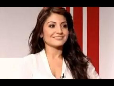 Anushka Sharma: Ranveer Singh doesn't flirt with me - Exclusive Interview